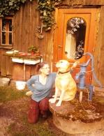 04-07; Heidi und Lara am Brunnen 01