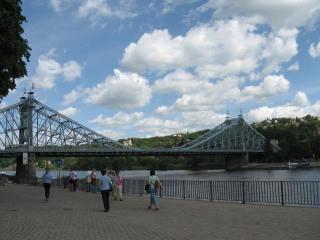04-09; Dresden; Brücke; von Peter