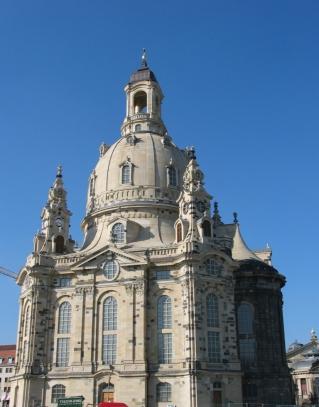 04-09; Dresden; Frauenkirche zuschnitt; Von Peter