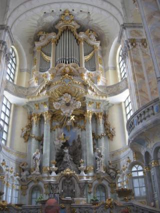 04-09; Dresden; Kirche von Innen; von Peter