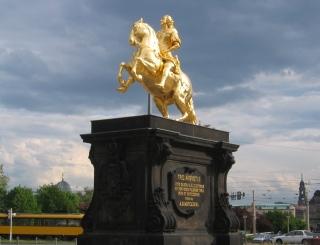 04-09; Goldener Reiter; Goldener Reiter; Von Peter