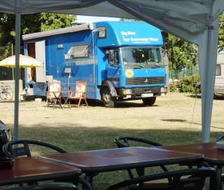 08-06; Litomerice; Big Blue auf Standplatz