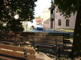 08-07; Melinek; Stadt 02