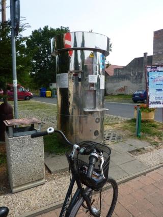 08-09; Kostelec, Wasserzapfstation