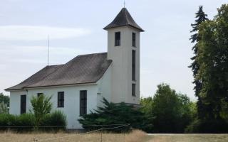 08-16; Serec; See von gegenüber; Kirche