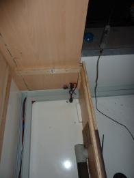Durchbruch von der Starter- zur Bordbatterie innen