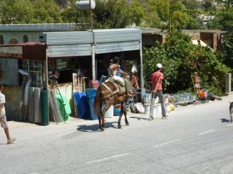 Und hier ist der Fachhandel für Gartengeräte