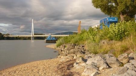 Die Donaubrücke war Nachts nicht zu hören