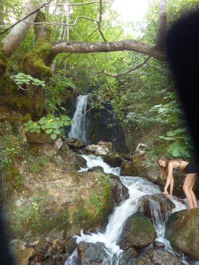 Wasserfall im Tunnel