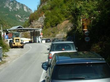 Grenzübergang von Montenegro nach Bosnien bei HUM