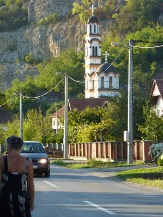 Auf dem Weg ins Dorf