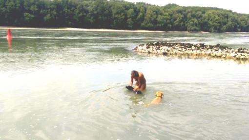 Linda lernt Schwimmen