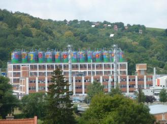 Die Fabrik über der Skyline