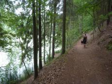 Wanderung um den Pšovka See