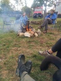 Auch am Tag lockt das Feuer