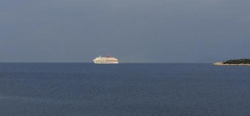 Schiffe haben ja immer was sommerliches, auch bei dichter Bewölkung